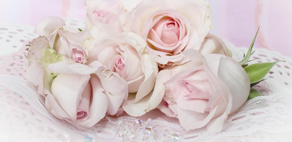 Einladungen und Karten für die Hochzeit erstellen | Hochzeit Paradies